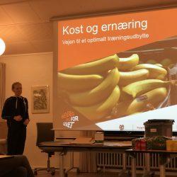 Anne Larsen holder foredrag om kost og ernæring